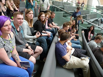 Auf der Besuchertribüne des Bundestages