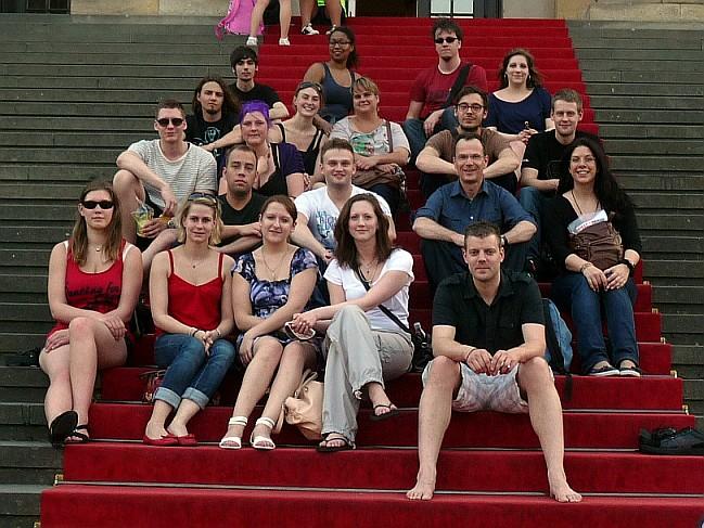 Gruppenbild auf der Treppe des Konzerthauses am Gendarmenmarkt