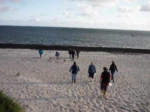 6_Sammeln von Strandgut